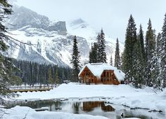 3 Amazing Rocky Mountain Lodges You'll Want to Visit