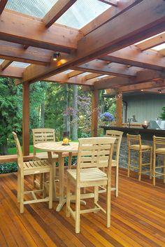 A Deck Made for Outdoor Entertaining | HomeAndGardenPhotos.com