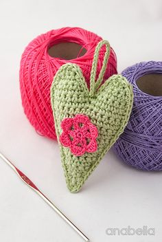 Crochet hearts free pattern for a friendly challenge (Anabelia Craft Design…