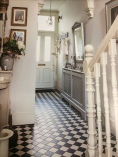 Victorian Style Hallway. Radiator Cover with Mirror & Coat Rack