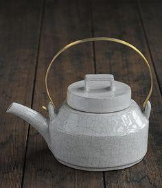 Tea Pot by Eri Kawaguchi