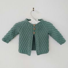 Flettesnurr bukse, 3 mnd, dale lille lerke - 53% merinoull 47% bomull Sweaters, Fashion, Moda, Fashion Styles, Sweater, Fashion Illustrations, Sweatshirts, Pullover Sweaters, Pullover