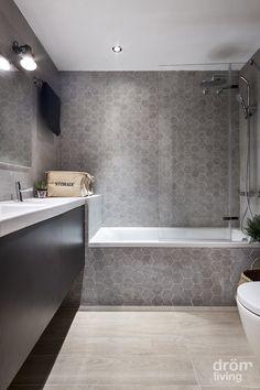 Amenajare in 90 mp - design functional la superlativ New Bathroom Ideas, Bathroom Design Small, Bathroom Layout, Simple Bathroom, Bathroom Interior Design, Bathroom Inspiration, Bathroom Renos, Laundry In Bathroom, Master Bathroom