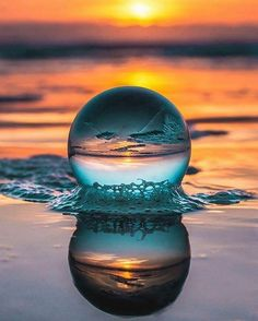 amazing photography This crystal ball will take your photography experience to the next level Creative Photography, Amazing Photography, Landscape Photography, Art Photography, Photography Backdrops, Wedding Photography, Pinterest Photography, Photography Courses, Bubble Photography