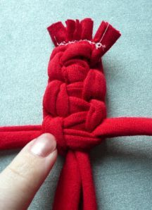 t-shirt bracelet  - i think this would make a sturdier braided dog toy as well