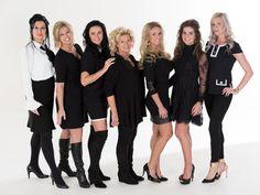 Het team van specialisten wat tijdens de afleveringen van 'Say Yes to the Dress' Benelux vanuit Koonings The Wedding Palace de bruiden gaat helpen bestaat uit: Ramona Poels, Tove Marié Irehag, Romy Goossens, Manuela Aldenzee, Monique Beems, Natasja Poels en Ineke Ploegmakers. www.koonings.com/over-koonings/say-yes-to-the-dress-benelux