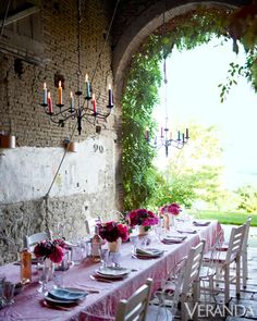 Gorgeous Outdoor Tablescapes - Outdoor Table Ideas - Veranda
