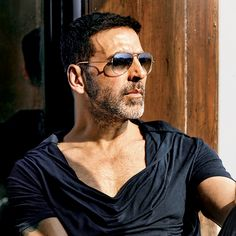 After Baby and Special Neeraj Pandey to direct Akshay Kumar in a romantic thriller Rustom which releases on 12 August Bollywood Stars, Bollywood News, Bollywood Actress, Bollywood Celebrities, Akshay Kumar Photoshoot, Akshay Kumar Style, Singh Is Kinng, Photo New, Twinkle Khanna