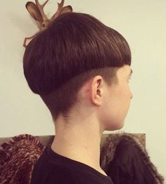 Mushroom Style Cut Bowl Haircuts for Men 2017