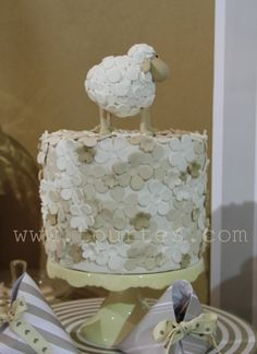 sheep cake By Liis on CakeCentral.com