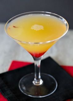 Moon River | www.thedrinkkings.com #cocktails #drinks