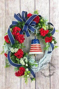 Liberty bell wreath, patriotic grapevine wreath, red white and blue decor, 4 Diy Wreath, Grapevine Wreath, Wreath Ideas, Door Wreaths, White Wreath, Monogram Wreath, Wreath Making, Wreath Crafts, Patriotic Wreath