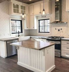 Find This Pin And More On Interior Design By Kayla Atkinson See Totally Difference Farmhouse Kitchen Cabinets 38