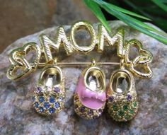 NEW MOM MOTHER BABY SHOES SLIDING CHARM BROOCH PIN