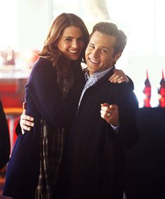 """Stana Katic & Seamus Dever - """"Castle"""" his smile is just too adorable =D"""