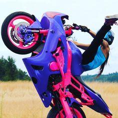 Motorcycles, bikers and Pink Motorcycle, Womens Motorcycle Helmets, Futuristic Motorcycle, Motorbike Girl, Moto Bike, Stunt Bike, Biker Love, Biker Girl, Girl Motorcyclist