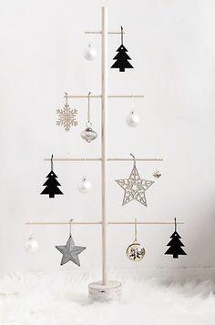Alternative Christmas Tree, Simple Christmas, All Things Christmas, White Christmas, Christmas Time, Christmas Crafts, Christmas Ornaments, Navidad Diy, Scandinavian Christmas