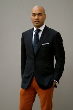 Nothing like a blazer to dress up an outfit! Note the crisp white pocket handkerchief!