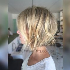 "54 gilla-markeringar, 6 kommentarer - PHINE Salon+Apothecary (@___phine___) på Instagram: ""#textured #haircut #shorthair #livedinhair #summerhair #babylights #balayage"""