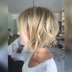 #textured #haircut #shorthair #livedinhair #summerhair #babylights #balayage