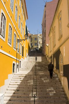 100 steps into #Lisbon (by Tim Lindop)