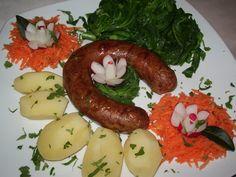Alheira de Mirandela avec pommes de terre et fanes de navet