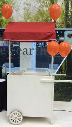 Pecae, carrito de helados #carritos #pecae #algodondeazucar #palomitas #perritos #hotdogs #crepes #helados #catering #eventos #recena #resoplon #candybar #chuches #cocteles #tacos Tacos, Popcorn Maker, Crepes, Hot, Projects To Try, Party, Ideas, Catering Events, Ice Cream Cart
