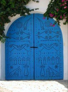Traditional Tunisiandoor through the eyes of a1b2j