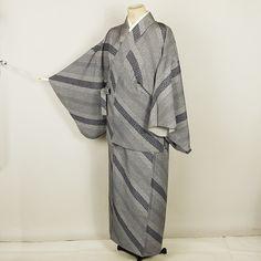 Gray, two parts separate kimono /【二部式着物】リサイクル着物/黒地江戸小紋風柄の斜め縞柄単衣 http://www.rakuten.co.jp/aiyama/