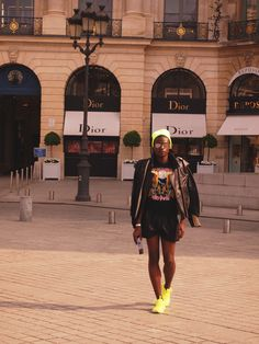 #fashion #dsquared #tshirt #martinmargiela #perfecto #leather #paris #clutch #shorts #outfit #ootd #americanapparel #beanie #neon #rayban #sneakers #placevendome