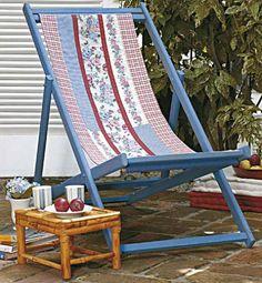 A tradicional cadeira dobrável de praia andava sumida (esta é da Marcenaria...