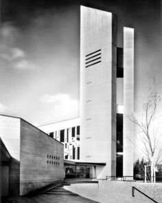 Zwölf-Apostel-Kirche (1964-67) in Hildesheim, Germany, by Dieter Oesterlen