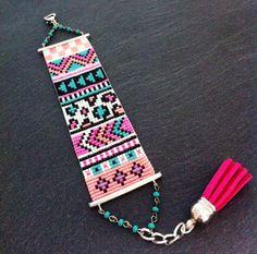 Bracelet Manchette Esprit Aztèque Rose Fluo par TDFTheDreamFactory, €25.00