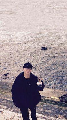 Find images and videos about kpop, Ikon and june on We Heart It - the app to get lost in what you love. Kim Jinhwan, Chanwoo Ikon, Hanbin, Bobby, Ikon Member, Koo Jun Hoe, Ikon Kpop, Ikon Wallpaper, Ballerinas