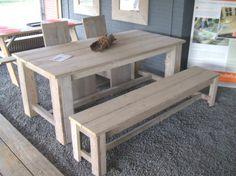 Eettafel steigerhout. Door Joke