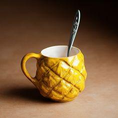 Pineapple mug -- I *NEED* THIS!