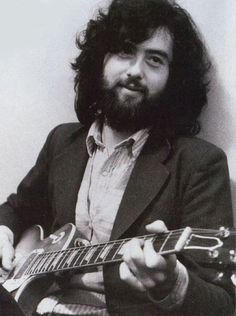 Beardspiration Jimmy Page of Led Zeppelin, in the early days. Great Bands, Cool Bands, Achilles Last Stand, Houses Of The Holy, Jimmy Page, Jimmy Jimmy, Rock Groups, Architecture Tattoo, Musica