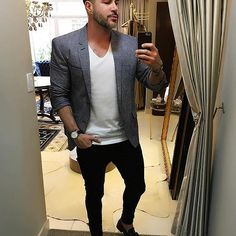 Social style ✨ // #ModaPraHomens @albertodergan . . . . . . . . #Modaprahomens #me #stylemen #fashion #look #modamasculina #tendencia #lifestyle #fashion #style #cuteboy #guy #men #amazing #instaboy #boy #modamasculina #modaparahomens #jeans #love #brasil #belem #day #estilo #style #blaser #fashion #streetstyle #street #social #clean #colors #social