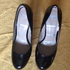 Elle Brand Women's High Heels Gently used Elle brand 5 inch women's high heels. Elle Shoes Heels