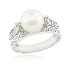 Call me crazy, but I kind of want a pearl engagement ring. Seriously... More unique than most