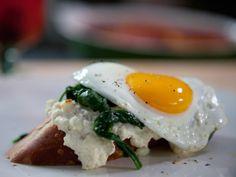 Featured #BobbyFlayFit Recipe: Open-Faced Eggs Florentine