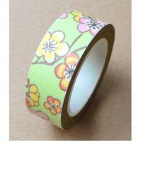 Washi Tape  ♥ 15mm ♥ 10 mètres ♥ Vert avec fleurs  : Masking tape par la-folie-du-ruban