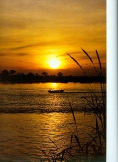 Atardecer en el río Amazonas, Leticia, Colombia #ViajesdelComercio