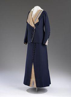 1912-1914, England - Coat by Woolland Bros. - Wool gabardine, blanket-weave wool, lined with silk, boned