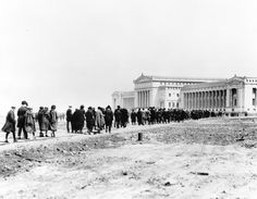 """Field Museum, 1921 (From photogallery """"Chicago's defining moments: 1840-1963"""" trib.in/mVZ3Qp)"""