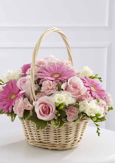 Extend your deepest sympathy to someone who has lost a loved one by sending them a loving bouquet or arrangement of sympathy flowers. Basket Flower Arrangements, Creative Flower Arrangements, Funeral Flower Arrangements, Funeral Flowers, Birthday Flower Delivery, Flower Delivery Service, Same Day Flower Delivery, Beautiful Rose Flowers, Happy Flowers