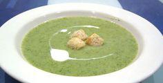 Brokkolisuppe mit Ziegenkäse-Crostini - Lecker und gesund: Die Techniker Krankenkasse kocht ein Fitmachergericht für dich.