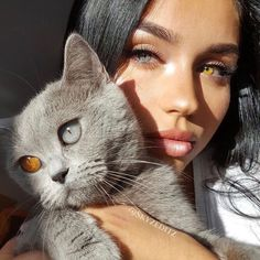"""Heterochromia means """"different colors"""", and is most used for the description of different colored eyes. Some people, and animals, have differences between the irises of their eyes. Pretty Eyes, Beautiful Eyes, Animals And Pets, Cute Animals, Eye Photography, Amazing Photography, Fashion Photography, Belle Photo, Beautiful Creatures"""