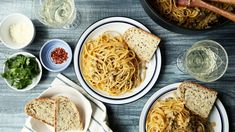 Old-fashioned Linguine with White Clam Sauce Linguine Recipes, Seafood Recipes, Pasta Recipes, Chicken Recipes, Dinner Recipes, Clam Recipes, Shellfish Recipes, Sauce Recipes, Pasta With Clam Sauce