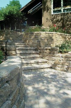 VERSA-LOK blends well with other types of natural stone and hardscapes. Product used: Mosaic